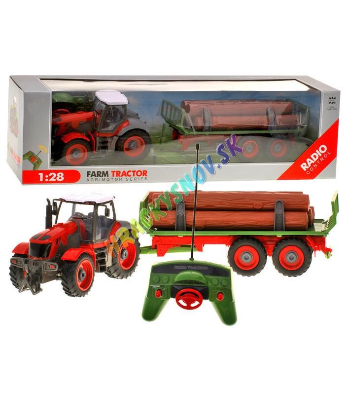 Veľký traktor na diaľkové ovládanie s prívesom a nákladom
